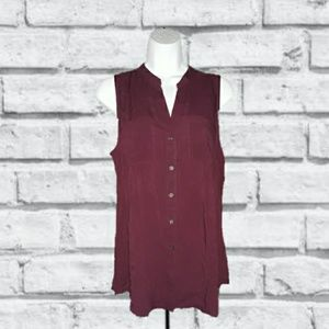 OLD NAVY BURGUNDY SLEEVELESS BUTTON DOWN SHIRT